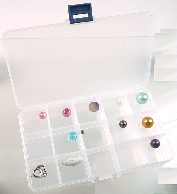 www.beadyourfashion.com - Synthetic beads box with maximum 15 compartments, including partitions ± 18x10cm (without beads)