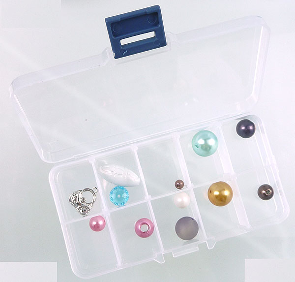www.beadyourfashion.com - Synthetic beads box with maximum 10 compartments, including partitions± 13x7cm (without beads)