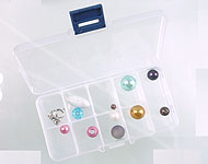 Synthetic beads box with maximum 10 compartments, including partitions± 13x7cm (without beads)