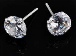 www.beadyourfashion.nl - 925 Zilveren oorstekers (sterling silver) met zirkonia rond ± 15x7mm