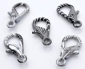 www.beadyourfashion.com - Metal key fobs/clasps decorated ± 28x14mm (hole ± 3mm)
