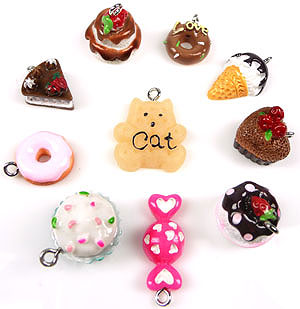 www.beadyourfashion.com - Mix synthetic pendants/charms sweets, with metal eye ± 15x14 - 26x10mm (hole ± 2mm)