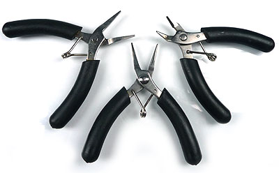 www.beadyourfashion.com - Basic package mini set of pliers: smooth flatnose pliers, roundnose pliers, cutting pliers (easy to take along on vacation)
