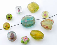 Mix glass beads Italian style ± 7-22mm (± 15-30 pcs.) (hole ± 1,5-2,5mm)