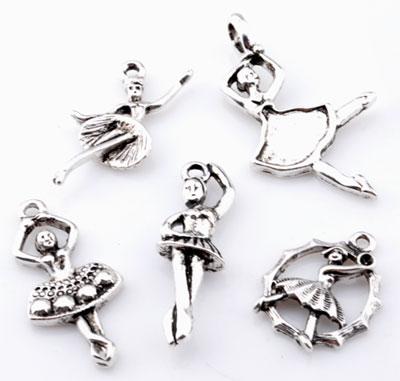 www.beadyourfashion.nl - Mix metalen hangers/bedels ballerina's ± 20x16mm - 38x21mm (gat ± 2 - 4x5mm)