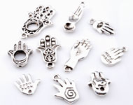 Mix metal pendants/charms hands ± 13x12mm - 28x18mm (hole ± 1-2mm)