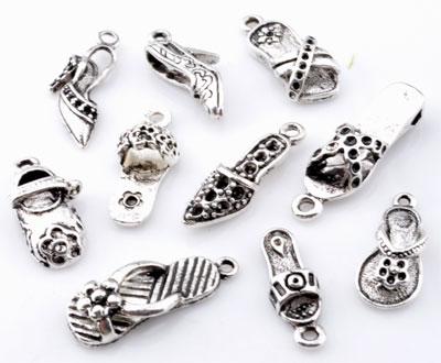 www.beadyourfashion.com - Mix metal pendants/charms shoes ± 20x7mm - 28x9mm (hole ± 1,5-2mm)