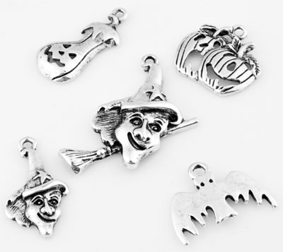 www.beadyourfashion.com - Mix metal pendants/charms Halloween ± 23x13mm - 32x28mm (hole ± 1,5-2mm)