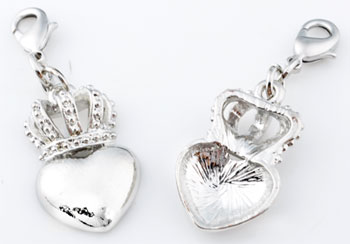 www.beadyourfashion.com - Metal pendants/charms heart with crown ± 43x15mm, with clasp ± 12x7mm
