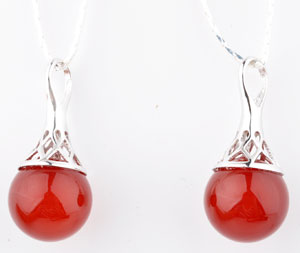 www.beadyourfashion.nl - 925 Zilveren hanger/bedel (sterling silver) rhodium plated, met natuursteen Red Agate en groot gat ± 27x12mm (gat ± 5mm) (geschikt voor B00973-B00975)