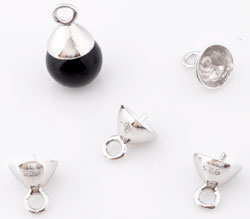 www.beadyourfashion.nl - 925 Zilveren hanger/bedel (sterling silver) rhodium plated met pin voor kraal met halfgeboord gat ± 8x7mm (pin ± 0.9mm dik)