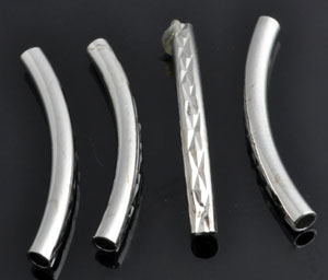 www.beadyourfashion.nl - Metalen buisje gebogen, bewerkt ± 30mm, ± 3mm dik
