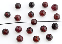 www.beadyourfashion.com - Natural stone beads Garnet, round ± 4mm