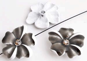 www.beadyourfashion.com - Metal beads flower decorated with epoxy, strass, glitter and with hole at the back ± 25x23mm, ± 6mm thick