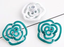 www.beadyourfashion.com - Metal beads rose decorated with epoxy, with hole at the back ± 20x19mm, ± 6,5mm thick
