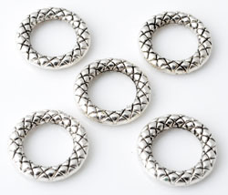 www.beadyourfashion.com - Metal rings round decorated ± 13mm, ± 2mm thick
