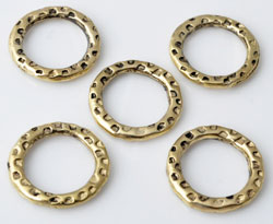 www.beadyourfashion.nl - Metalen ringen plat rond bewerkt ± 15mm, ± 2mm dik