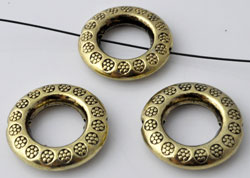 www.beadyourfashion.com - Metal beads ring round decorated ± 19mm, ± 4mm thick