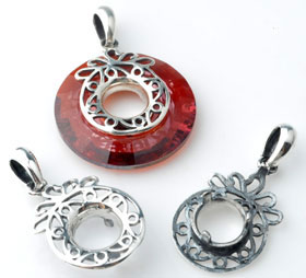 www.beadyourfashion.nl - 925 Zilveren klemmetje (sterling silver) rond bewerkt ± 31x16mm, geschikt voor SWAROVKSI ELEMENTS 6039 25mm discus