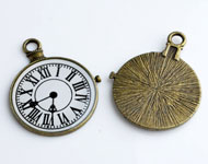 Metal pendants/charms clock decorated,