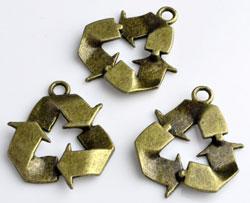 www.beadyourfashion.de - Metall Anhänger Recycle Zeichen ± 29x25mm