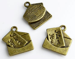 www.beadyourfashion.com - Metal pendants/charms envelope with letter