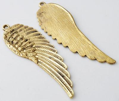 www.beadyourfashion.nl - Metalen hanger/bedel vleugel bewerkt ± 88x29mm