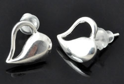 www.beadyourfashion.com - 925 Silver ear studs (sterling silver) with heart ± 11mm, ± 13mm long, with synthetic ear nuts