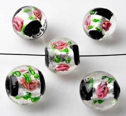 www.beadyourfashion.nl - Glaskralen Italian style rond, met zilverfolie en bloemen ± 10x12mm