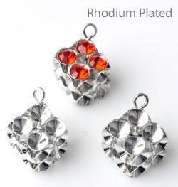 www.beadyourfashion.de - Brass Anhänger (Messing) rhodium plated Kubus ± 17x10mm mit Fassungen für SWAROVSKI ELEMENTS 1028/1088 PP32 (± 4mm) Similisteine