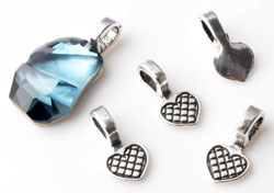 www.beadyourfashion.com - Metal pendants/charms heart decorated, with large hole ± 16x8mm (hole ± 4,5x4mm) for stone with flat back (suitable for SWAROVSKI ELEMENTS 4787 ± 19x13mm)