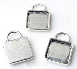 www.beadyourfashion.com - Metal pendants/charms square ± 21x15mm with setting for SWAROVSKI ELEMENTS 2493 ± 12mm flat back