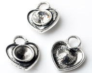 Metal pendants/charms heart ± 20x16mm with setting for SWAROVSKI ELEMENTS 1028/1088 SS39 (± 8,2mm) pointed back
