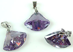 www.beadyourfashion.com - Cubic zirconia pendant/charm pointed faceted, with brass pendant bail rhodium plated ± 24x18mm