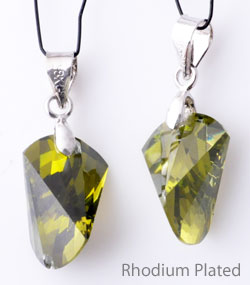 www.beadyourfashion.com - Cubic zirconia pendant/charm faceted, with brass pendant bail rhodium plated ± 24x10,5mm