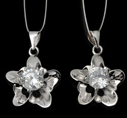 www.beadyourfashion.com - 925 Silver pendant/charm (sterling silver) flower with cubic zirconia ± 24x16mm