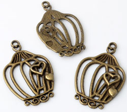www.beadyourfashion.com - Metal pendants/charms birdcage decorated with hearts ± 34x21mm