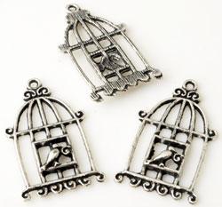 www.beadyourfashion.nl - Metalen hangers/bedels vogelkooi bewerkt met vogel ± 34x20mm