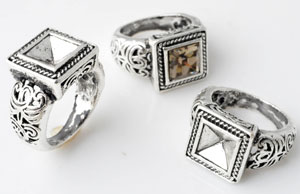 www.beadyourfashion.com - Metal fingerring decorated ± 25x14mm (inner size ± 18mm) with square setting for SWAROVSKI ELEMENTS 4428 ± 8mm Fancy Stone