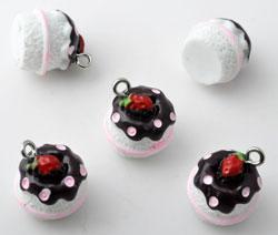 www.beadyourfashion.com - Synthetic pendants/charms pie with metal eye ± 15x14mm