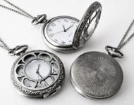 Metall Halskette ± 75cm mit Uhr bearbeitet mit Blume ± 64x47mm
