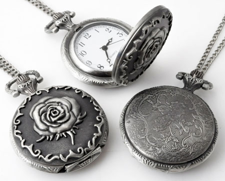 www.beadyourfashion.com - Metal necklace ± 75cm with clock/watch decorated with rose ± 56x40mm