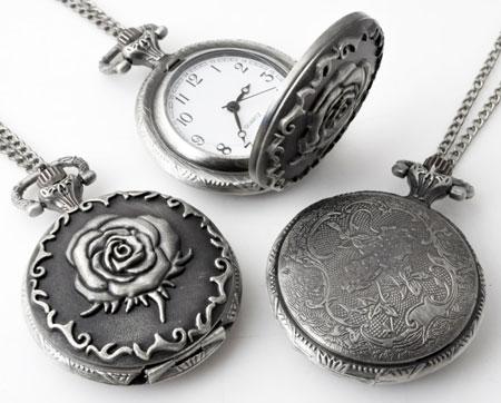 www.beadyourfashion.fr - Collier de métal ± 75cm avec pendule/montre décorée avec rose ± 56x40mm