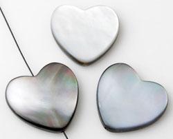 www.beadyourfashion.com - Shell bead heart ± 20x20mm ± 3mm thick
