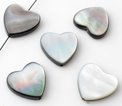 www.beadyourfashion.com - Shell bead heart ± 15x15mm ± 3mm thick