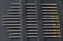 www.beadyourfashion.com - Set of 12 metal self-threading wire needles, 3 sizes: ± 42x0,76mm, 38x0,76mm and 36x0,76mm