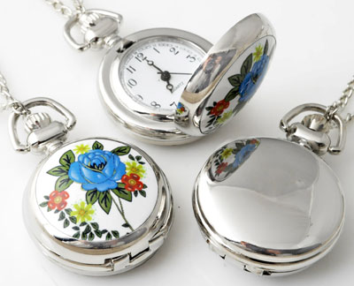 www.beadyourfashion.com - Metal necklace ± 77cm with clock/watch decorated with ceramic with flower ± 43x29mm