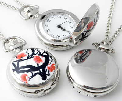 www.beadyourfashion.com - Metal necklace ± 77cm with clock/watch decorated with ceramic with flowers ± 43x29mm
