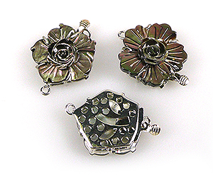 www.beadyourfashion.com - Brass clasp decorated with flower of mother of pearl, with 2 eyes ± 29x22mm (eye ± 2mm)