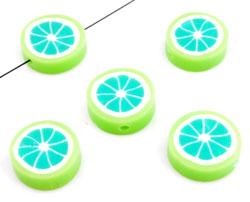 www.beadyourfashion.nl - Polymeerklei kraal plat rond fruit limoen ± 15mm, ± 5mm dik (gat ± 2mm)